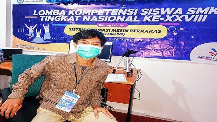 Pelajar SMTI Pontianak Juara 2 LKS SMK Tingkat Nasional ke XXVIII
