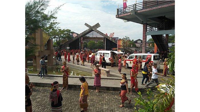 Kemeriahan Sambut Pembukaan Pekan Gawai Dayak ke 34 di Rumah Radank Pontianak