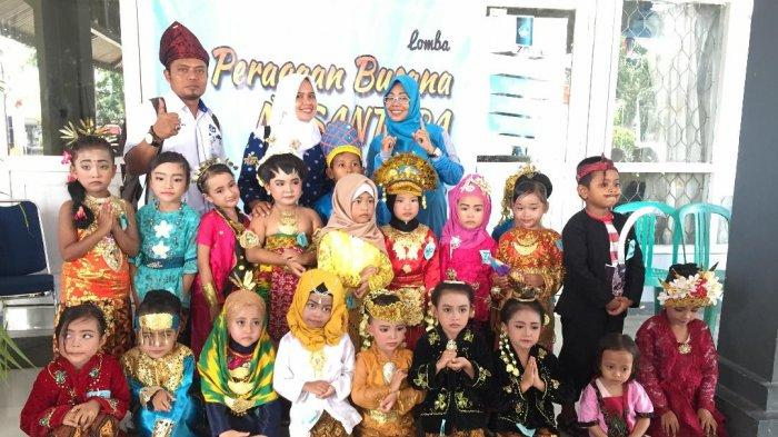 BP PAUD, Dikmas Provinsi Kalbar dan PW Himpaudi Provinsi Kalbar Gelar Peragaan Busana Nusantara