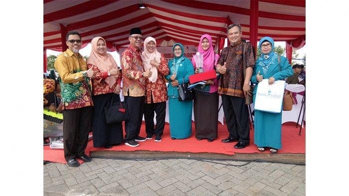 Kelurahan Siantan Hilir Terima Penghargaan Tingkat Nasional Saat Harganas ke XXVI