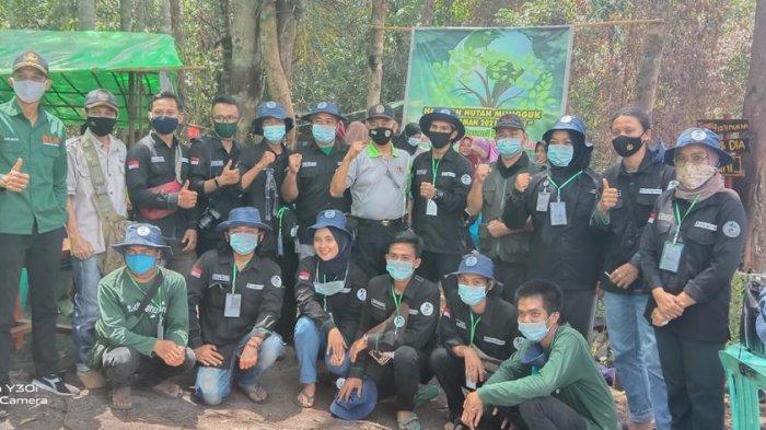 Sukses Tanam Pohon di Air Merah Mungguk, Relawan Lindungi Hutan Landak Ajak Hijaukan Alam