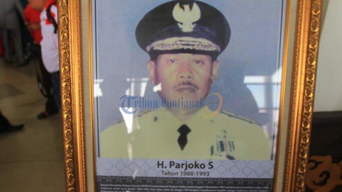 Inilah Foto-foto Gubernur Kalbar dari Masa Pimpinan Adji Panggeran Afloes Hingga Cornelis - foto-foto-gubernur_20170131_135459.jpg