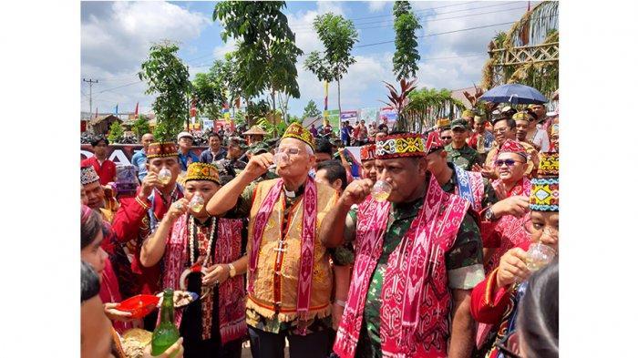 Pangdam XII Tanjungpura Hadiri Gawai Dayak ke X Kabupaten Sekadau