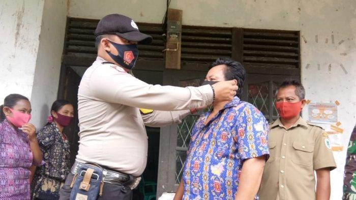Bhabinkamtibmas Polsek Putussibau Utara Sosialisasi tentang Prosedur Standar AKB di Desa Binaan