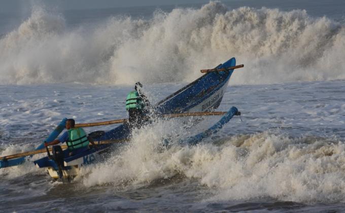 Peringatan Dini BMKG: Gelombang Sangat Tinggi Potensi Terjadi di Dua Wilayah Indonesia Kamis 6 Mei