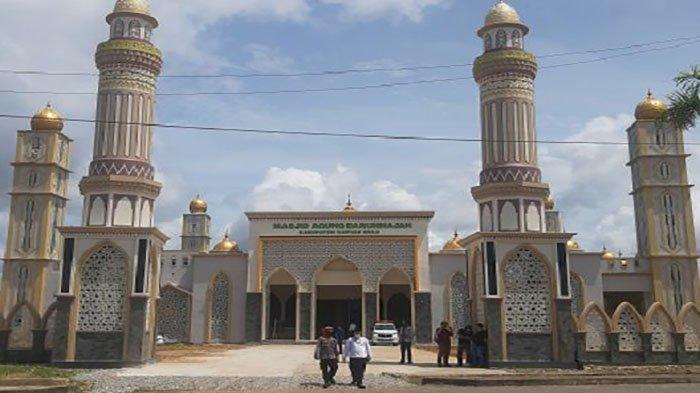 Masjid Agung Darunnajah Putussibau Gelar Salat Idul Fitri dengan Penerapan Protokol Kesehatan
