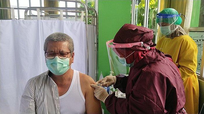 Kadiskes Kalbar Sebut Vaksinasi Kepada Nakes Akan Selesai, Berikut Sasaran Selanjutnya