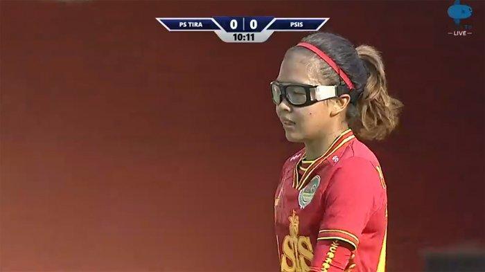 Hasil Liga 1 Putri - PS TIRA Vs PSIS [1-0] 20' Live Mola TV   Persija Vs Persib [2-1] Suporter Ricuh