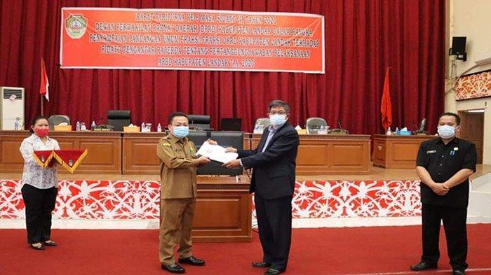 Fraksi DPRD Landak Sampaikan PU Terhadap Pidato Pengantar Raperda Pertanggungjawaban APBD 2020