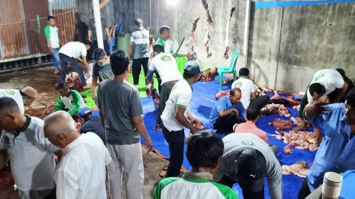 Kurban 3 Ekor Sapi, IKMA Kalbar : Wujud Kepedulian Sesama di Perantauan