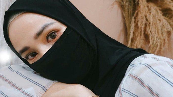Hijab Anti Corona Jadi Trend Fashion Lebaran Idul Fitri Tahun Ini, Tak Perlu Repot Pakai Masker