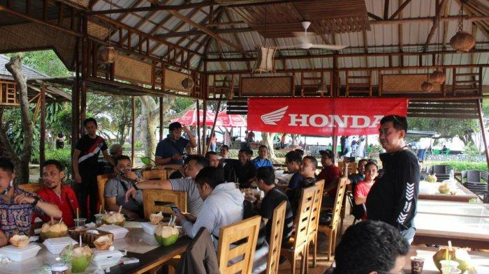 Honda Kalbar Gelar Fun Touring Bersama Komunitas ADV 150