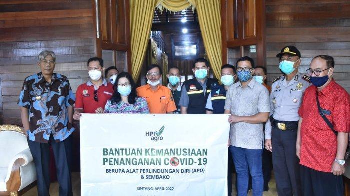 Dukung Pemkab Sintang Lawan Covid-19, HPI Agro Salurkan Bantuan APD dan Sembako