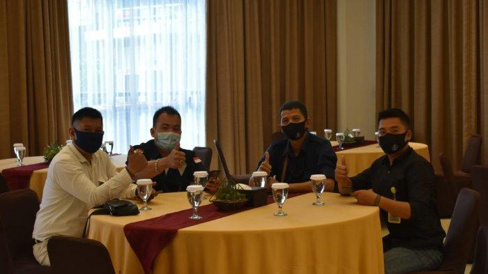 Bidhumas Polda Kalbar menggelar kemitraan dengan tokoh masyarakat dan awak media (wartawan) di Borneo Room Hotel Garuda Pontianak, Kamis 4 Maret 2021.