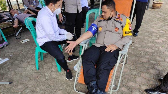 Sambut Hari Bhayangkara ke-75, Polres Sanggau Gelar Bakti Sosial Donor Darah