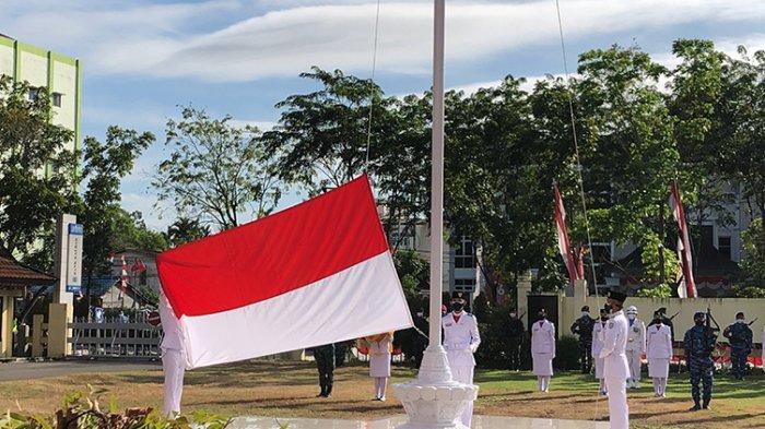 Pemprov Kalbar Gelar Upacara HUT ke-76 RI Terbatas di Halaman Kantor DPRD Provinsi
