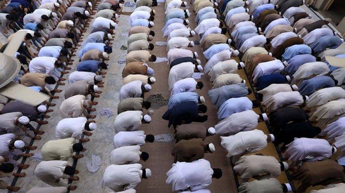 Bacaan Niat Sholat Subuh dan Doa Qunut Shalat Subuh, Cek Jadwal Solat Subuh di Sini!