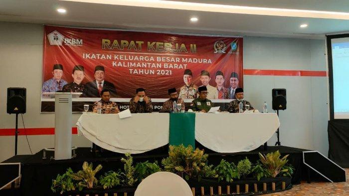 Buka Rapat Kerja IKBM Kalbar, Mahalli Ilyas Minta Pengurus IKBM Kompak dan Terus Jalin Silaturahmi