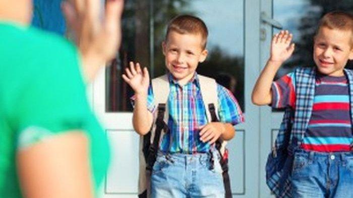 Tips agar Anak Mau Sekolah Sendiri dan Tidak Menangis ketika Ditinggal