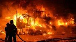 Nyalakan Petasan di Malam Pergantian Tahun Tuai Petaka, Gudang Karet Hangus Terbakar