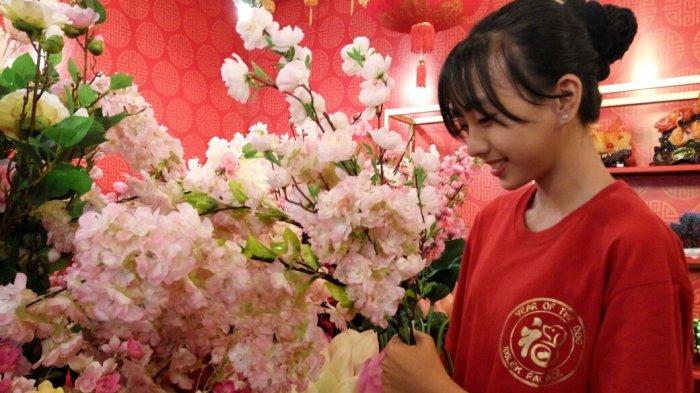 Punya Ikatan Filosofis Dengan Imlek, Bunga Mei Hwa Ini Juga Disediakan di Imlek Palace