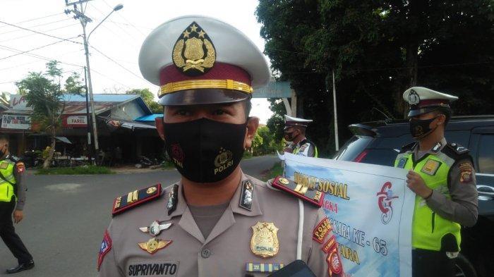 HUT ke-65 Polantas, Satuan Lalu Lintas Polres Kayong Utara Bagikan Paket Sembako