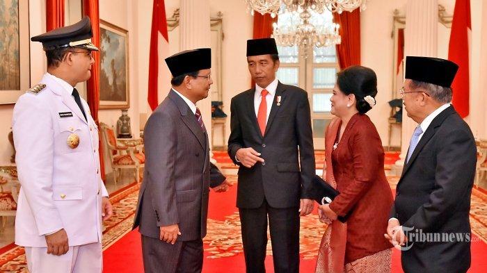 Jokowi Berbincang Dengan Prabowo, Ekspresi Iriana Bikin Tanda Tanya? - iriana_20171016_231235.jpg