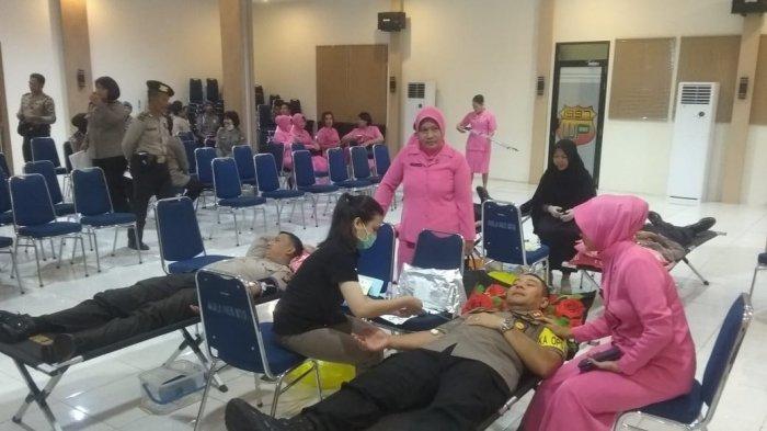 Polres Sintang Gelar Donor Darah Sambut Hari Bhayangkara ke-73