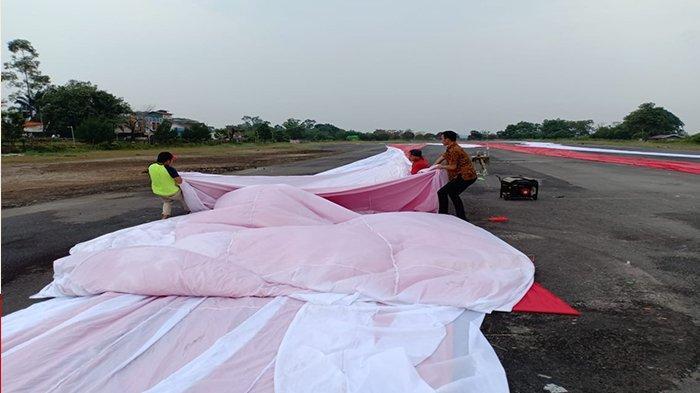 Bupati Sintang Dukung Penuh Pengibaran Bendera Merah Putih Raksasa di Bukit Kelam