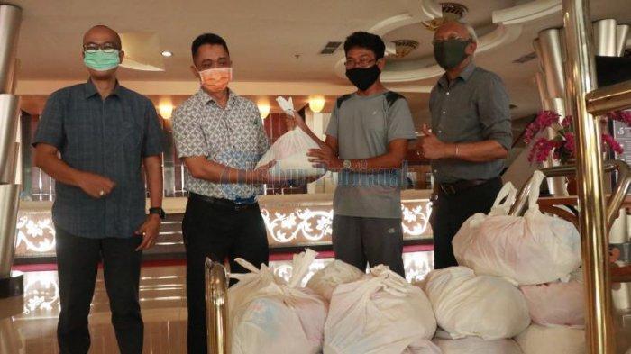 FOTO: Rumah Jurnalis Pontianak Serahkan Bantuan kepada Karyawan Hotel Aston dan Transera - jalan-gajahmada-hotel-aston.jpg