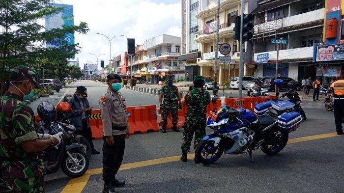 Tutup Ruas Jalan Gajah Mada, Brimob Kalbar Backup PolrestaPontianak
