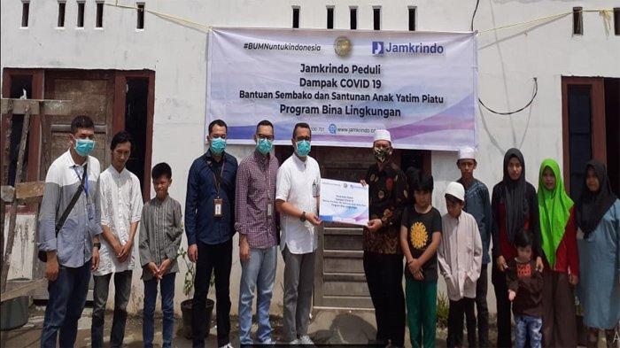 Jamkrindo Donasikan Miliaran Rupiah untuk Masyarakat Terdampak Covid-19