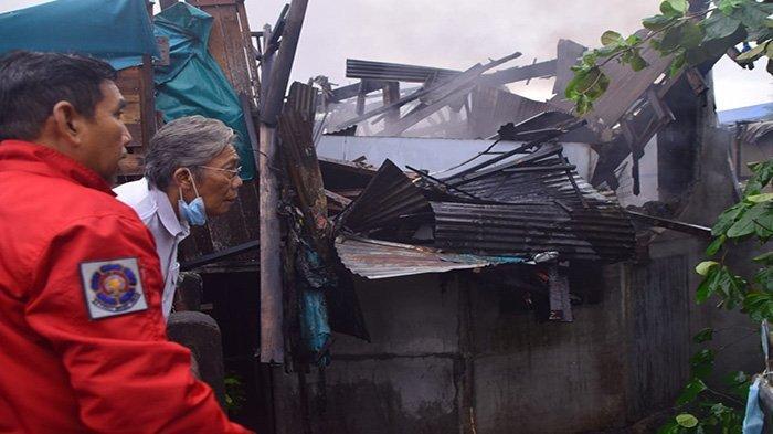 14 Unit Pintu Ruko di Pasar Inpres Terbakar, Bupati Jarot: Kita Bantu IMB Segera