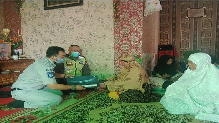 Jasa Raharja Kalbar Kembali Serahkan Santunan Korban Sriwijaya Air SJ 182 asal Kubu Raya