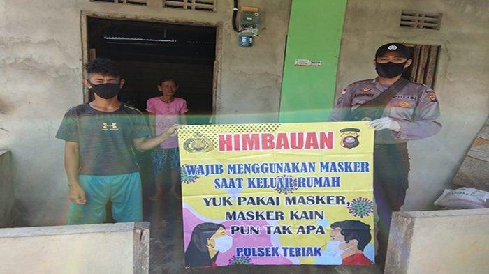 Bripka Eko Wajibkan Warganya Gunakan Masker Bila Keluar Rumah Cegah Penularan Covid-19