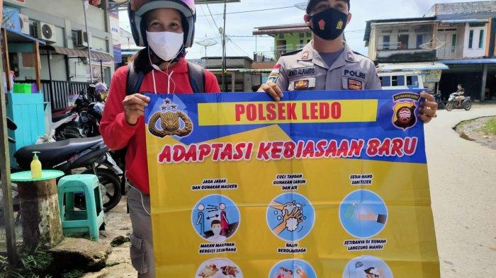 Bhabinkamtibmas Polsek Ledo Briptu Joko Alfianto Sosialisasikan Adaptasi Kebiasaan Baru kepada Warga