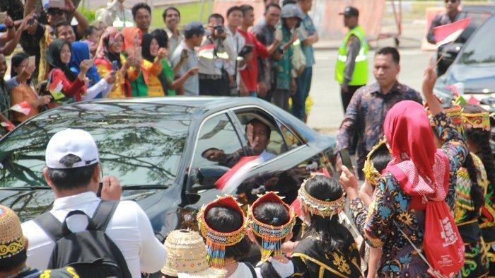 Salaman dengan Jokowi, Ini Kata Warga tentang Tangan Presiden