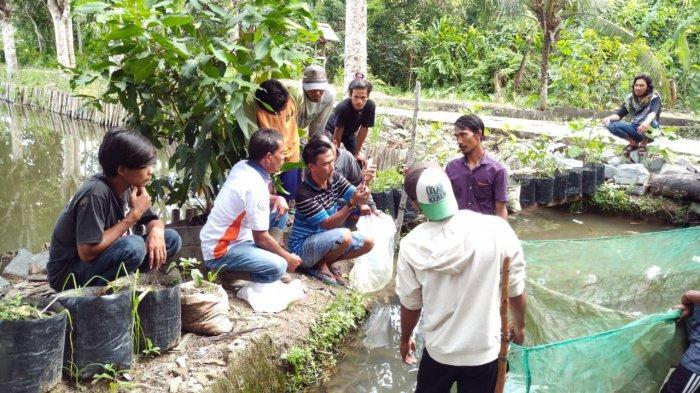 Yayasan Palung Adakan Studi Banding dan Pelatihan Pemijahan Ikan