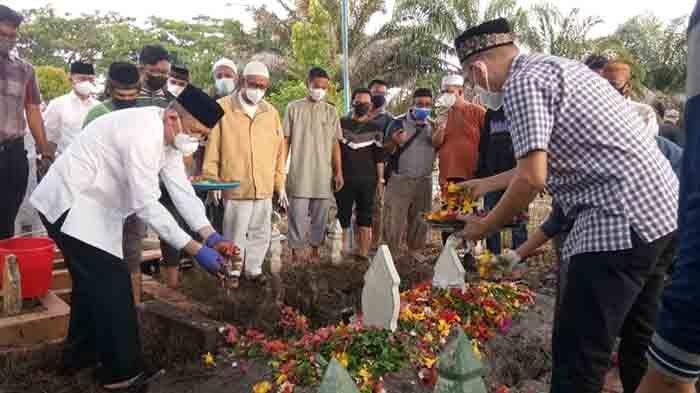 Hj Djaedah Wafat pada Usia 86 Tahun, Sutarmidji Ikhlaskan Kepergian Sang Ibunda Tercinta