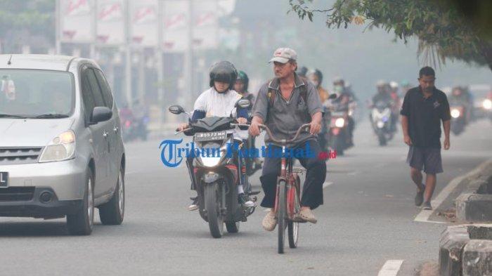 FOTO: Kabut Asap Pekat Selimuti Kota Pontianak, Kualitas Udara Sangat Tidak Sehat - kabut-asap-pontianak-4.jpg