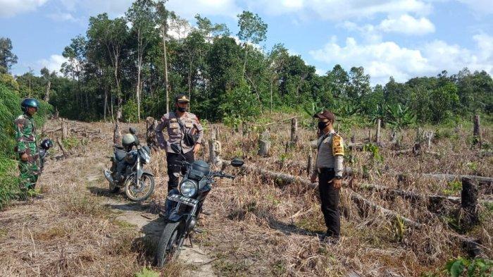 Polsek Silat Hilir Polres Kapuas Hulu Bersama Koramil Patroli Karhutla