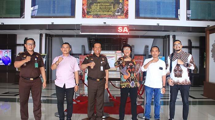 Bahas Penanganan Perkara Anak, Kak Seto Kunjungi Kejati Kalimantan Barat