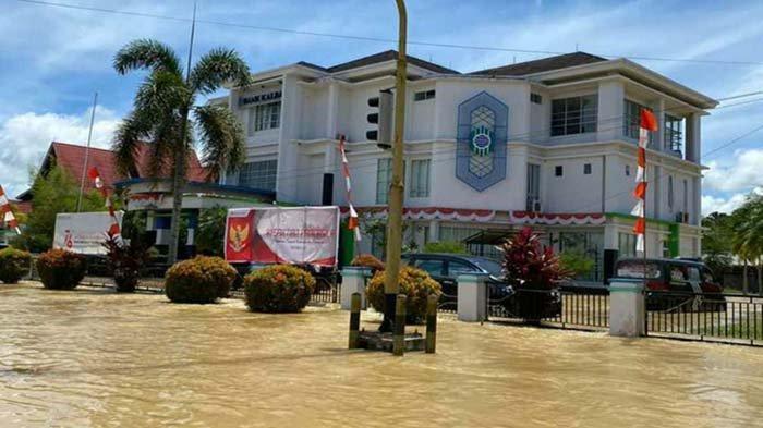 Banjir Tak Menjadi Hambatan, Bank Kalbar Tetap Layani Nasabah dan Mitra Kerjanya