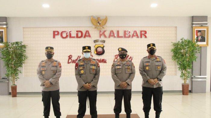 Kapolda Kalbar Pimpin Upacara Penandatanganan Komitmen Kinerja Plt Dirsamapta Polda Kalbar