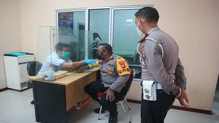 Sambut Hari ke- 66 Polisi Lalu Lintas Bhayangkara, Sat Lantas Polres Landak Laksanakan Donor Darah