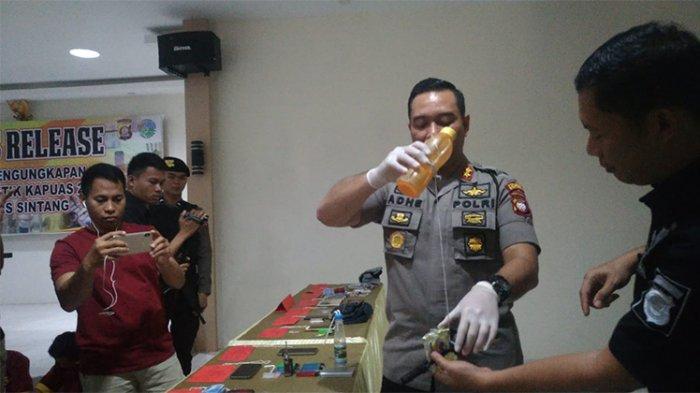UNIK! Ulah Pengedar Sabu Kelabui Polisi saat Digeledah, Modus Pancing Ikan & Botol Tupperware