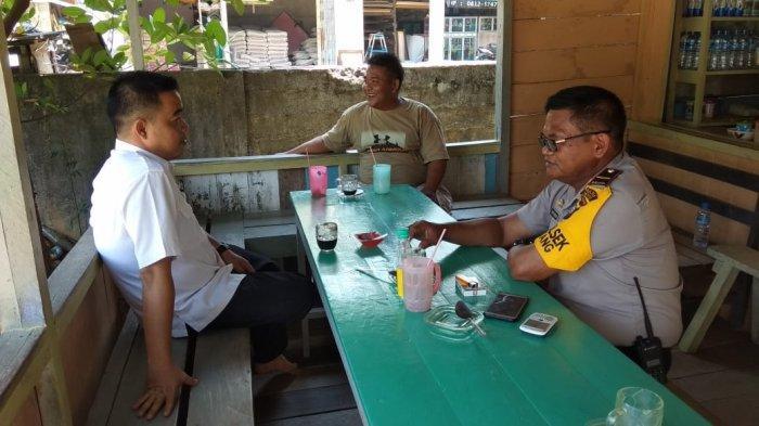 Bhabinkamtibmas Polsek Belitang Tingkatkan Patroli ke Desa Binaan Jelang Pilkades Serentak