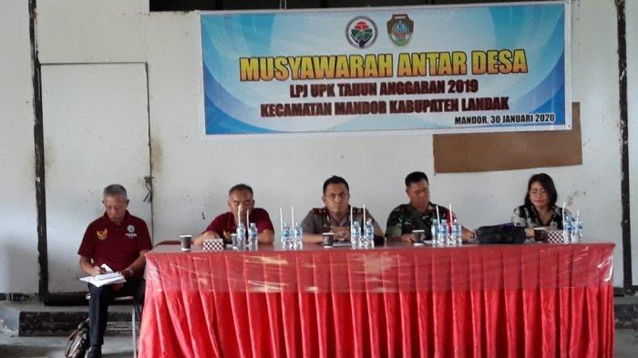 Kapolsek Mandor Hadiri Musyarawarah Antar Desa Tahun Anggaran 2019