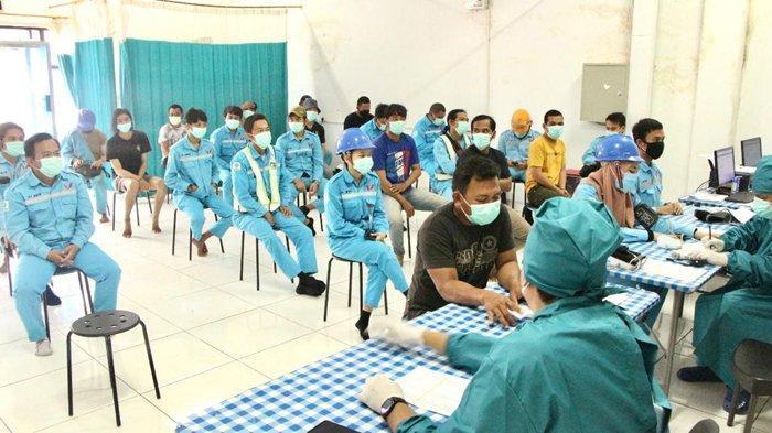 Manajemen PT WHW Ketapang Vaksinasi Covid-19 ke Ribuan Karyawan