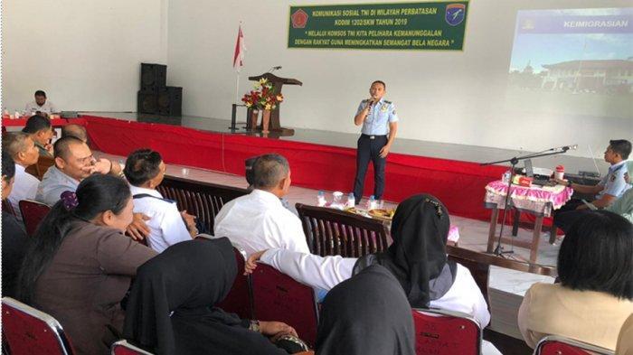 Kantor Imigrasi Kelas II TPI Sambas Sosialisasikan Pengawasan Orang Asing di Paloh